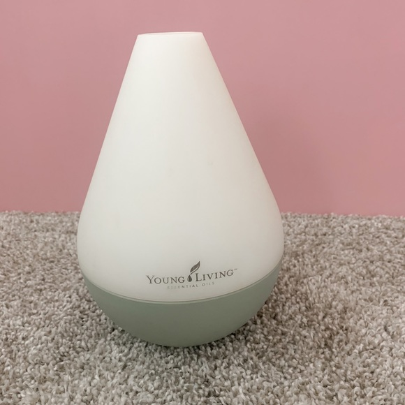 Dewdrop Diffuser- young living